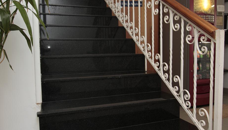 Escada 04